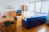 Izdajem stan u centru Beograda povoljno jako! Namenjeno za studente izdaje se celi stan ne samo 1 soba. Cena 50eura/mesec. ...